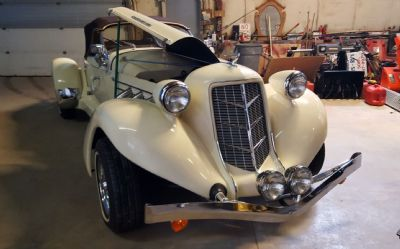 1936 Auburn Boat Tail Speedster 852 Convertible